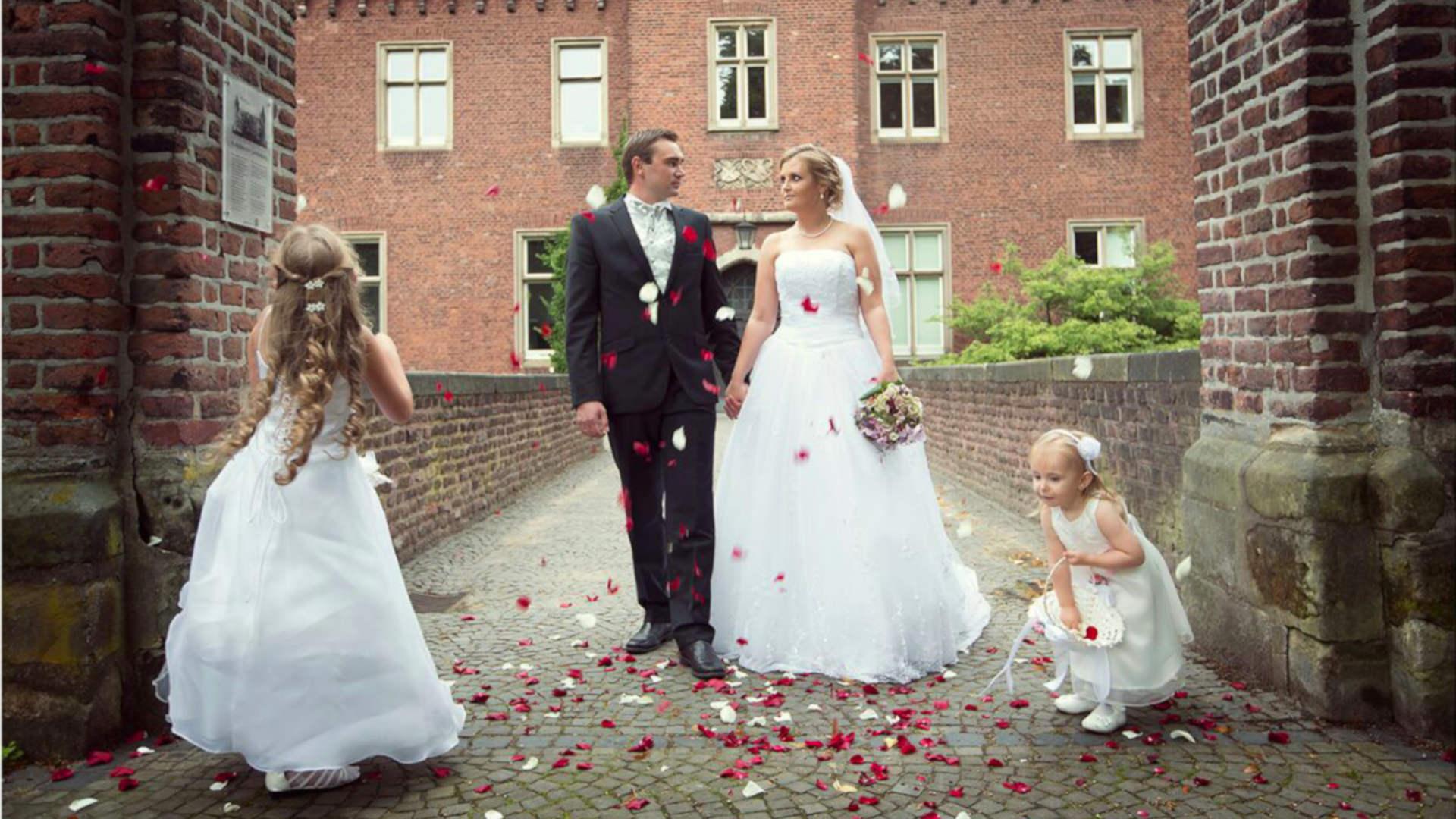 Mobiles Brautstyling  Schoenheitsschule
